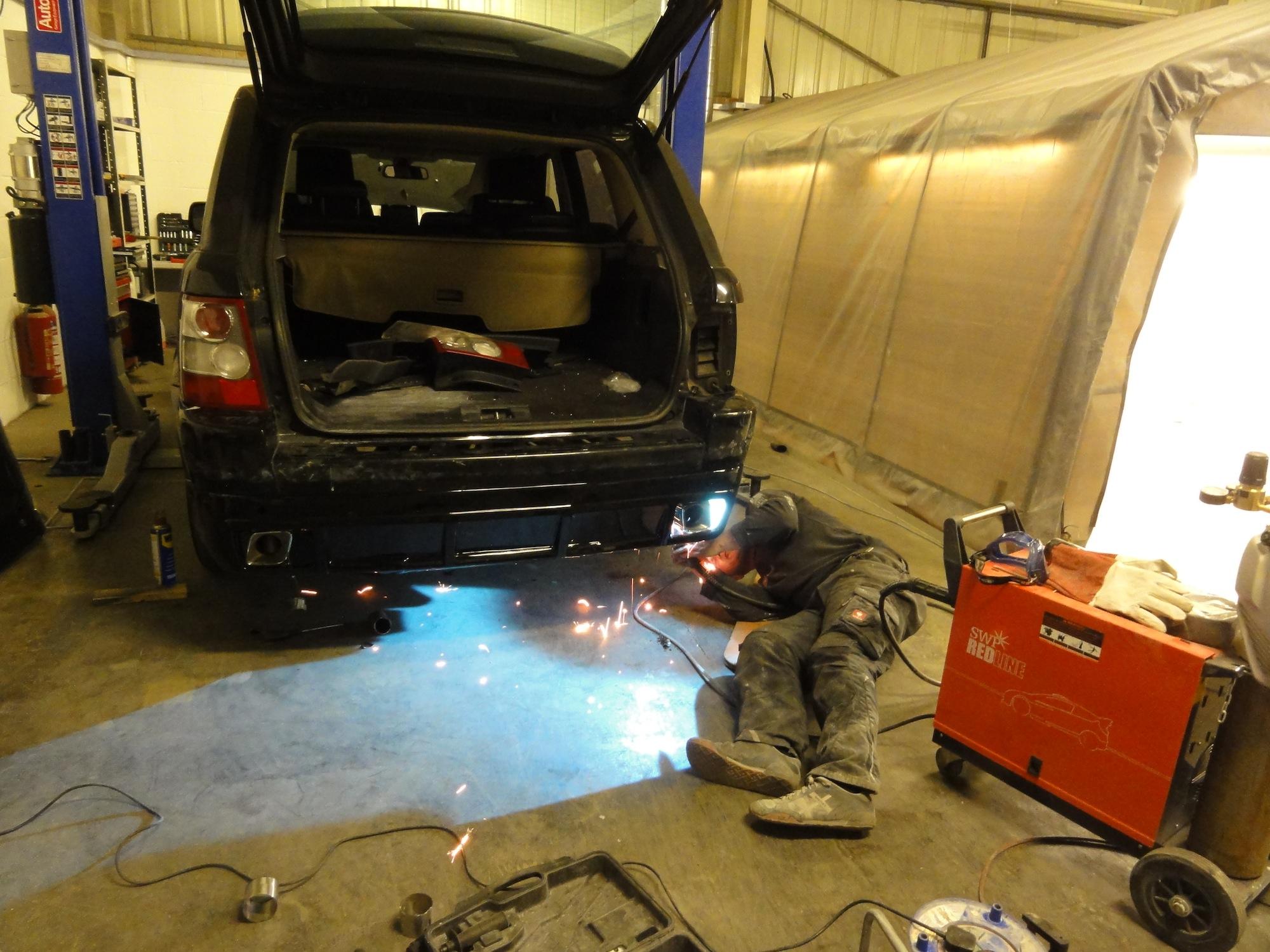 Range-Rover-Kit-Install-10