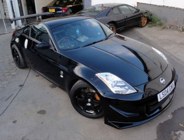 Nissan 350z black car resprays
