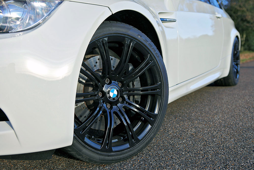 alloy-wheel-refurbishment-rt-performancealloy-wheel-refurbishment-rt-performance