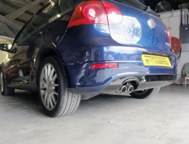 vw golf 5 gti rear bumper installation at rt performance in london